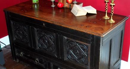 1740 Oak Coffer. £375